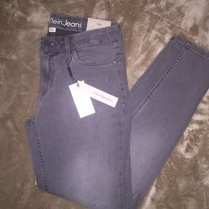 Calvin Klein woman's grey ankle skinny jeans sz 6